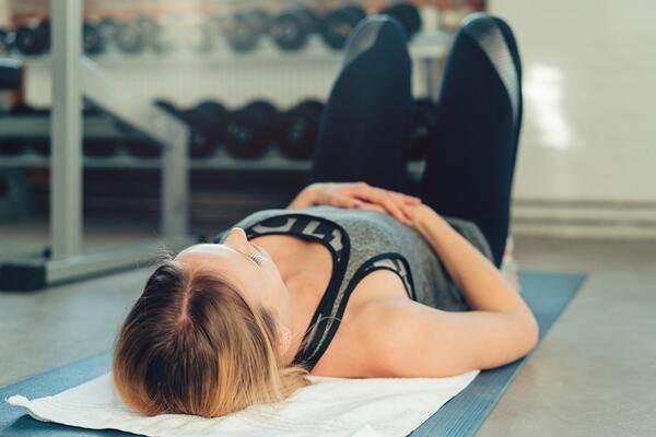 Chán gym, mỹ nhân Cô gái xấu xí một thời chuyển sang tập yoga để duy trì dáng nuột nà - 7
