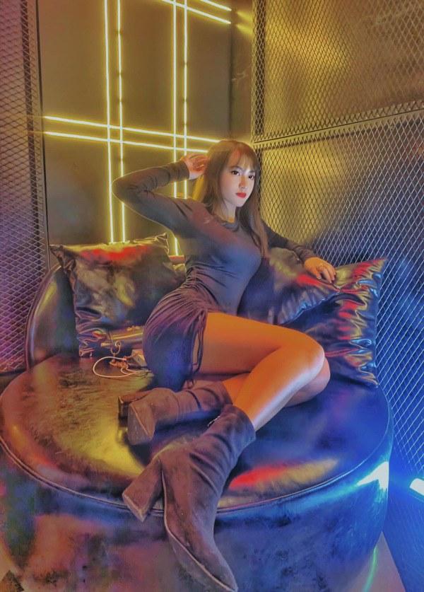 Nữ tiếp viên quán Bar mạnh dạn đăng ký thi Hoa hậu Việt Nam, liệu có thành công? - 7