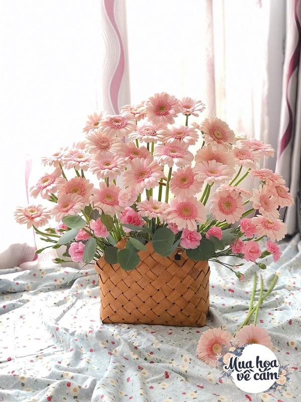 Không nước rửa bát, chẳng dùng đường, đây mới là thứ giúp mẹ Hà Nội cắm hoa không thối hỏng - 5