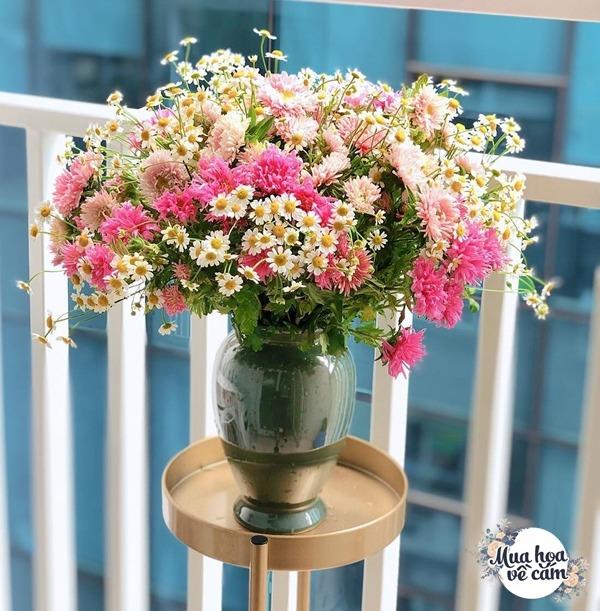 Không nước rửa bát, chẳng dùng đường, đây mới là thứ giúp mẹ Hà Nội cắm hoa không thối hỏng - 8