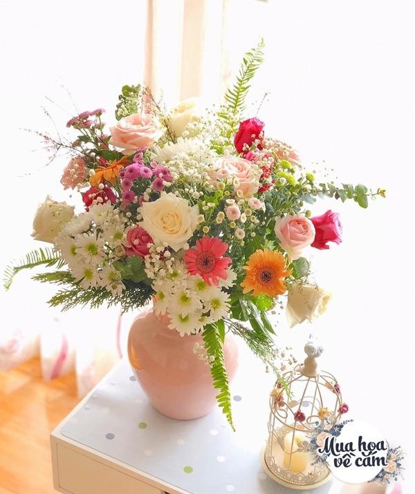 Không nước rửa bát, chẳng dùng đường, đây mới là thứ giúp mẹ Hà Nội cắm hoa không thối hỏng - 9