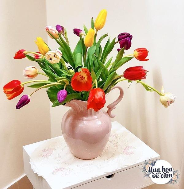 Không nước rửa bát, chẳng dùng đường, đây mới là thứ giúp mẹ Hà Nội cắm hoa không thối hỏng - 10