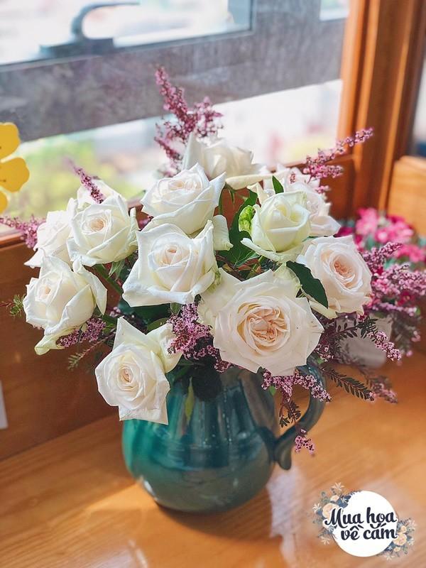 Không nước rửa bát, chẳng dùng đường, đây mới là thứ giúp mẹ Hà Nội cắm hoa không thối hỏng - 13