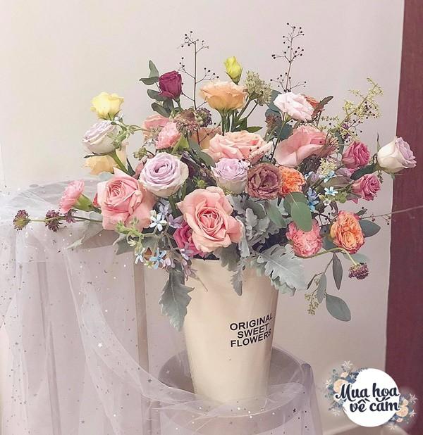 Không nước rửa bát, chẳng dùng đường, đây mới là thứ giúp mẹ Hà Nội cắm hoa không thối hỏng - 16