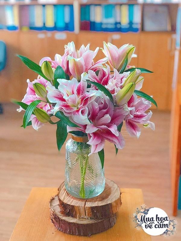 Không nước rửa bát, chẳng dùng đường, đây mới là thứ giúp mẹ Hà Nội cắm hoa không thối hỏng - 20