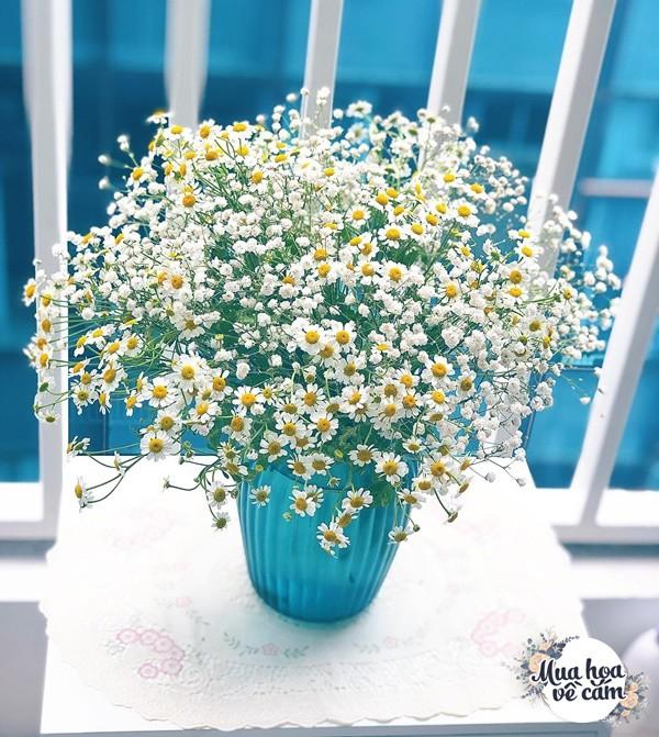 Không nước rửa bát, chẳng dùng đường, đây mới là thứ giúp mẹ Hà Nội cắm hoa không thối hỏng - 22