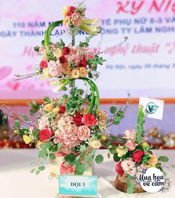 Không nước rửa bát, chẳng dùng đường, đây mới là thứ giúp mẹ Hà Nội cắm hoa không thối hỏng - 25