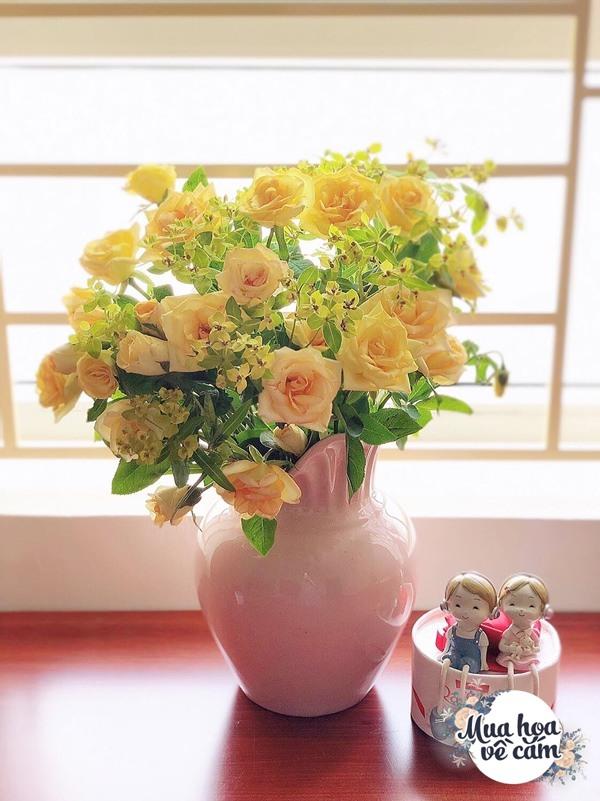 Không nước rửa bát, chẳng dùng đường, đây mới là thứ giúp mẹ Hà Nội cắm hoa không thối hỏng - 24