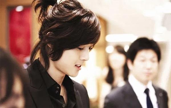 Những kiểu tóc nam dài đẹp chuẩn men và vô cùng phong cách - 13