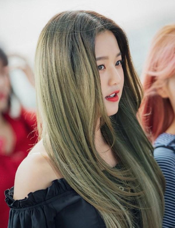 Những màu tóc xanh rêu đẹp ấn tượng phù hợp với mọi gương mặt - 5
