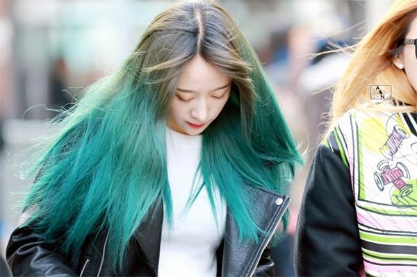 Những màu tóc xanh rêu đẹp ấn tượng phù hợp với mọi gương mặt - 10