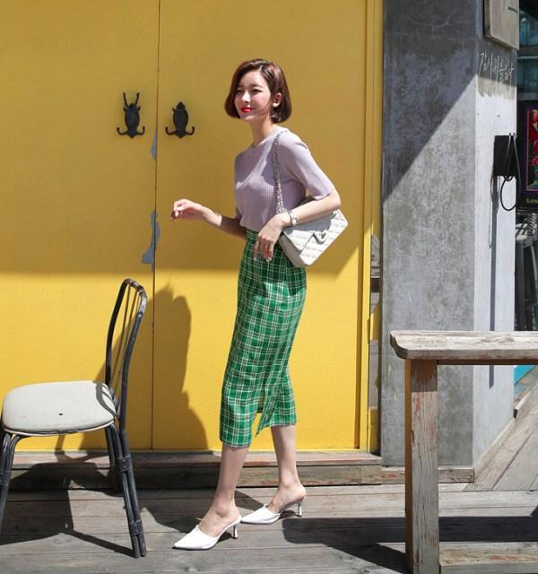 """Những kiểu chân váy kẻ caro xinh xắn, chị em diện lên vừa nổi bật lại """"hack"""" tuổi triệt để - 6"""
