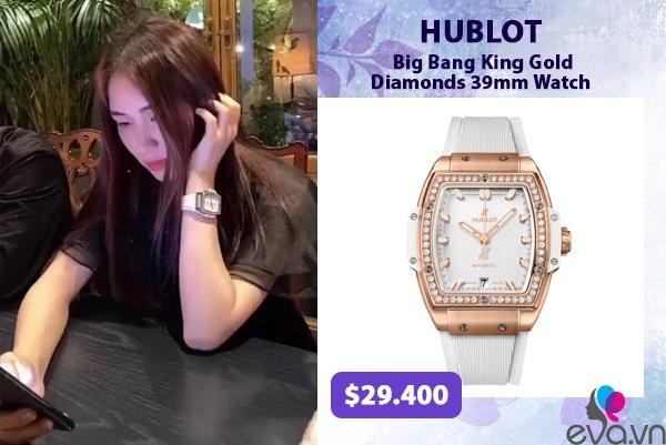 Hương Giang - Hoà Minzy đúng chuẩn cặp chị em giàu sụ khi độ đồng hồ nạm kim cương đôi - 3