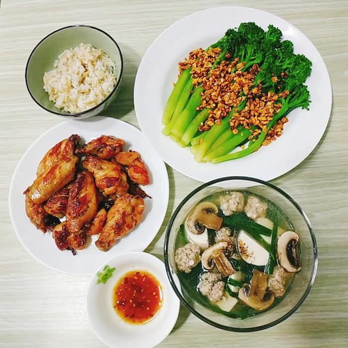 9X Đồng Nai đã xinh còn đảm, mỗi tháng chi 3 triệu tiền ăn, mâm nào cũng đầy ắp đồ - 9
