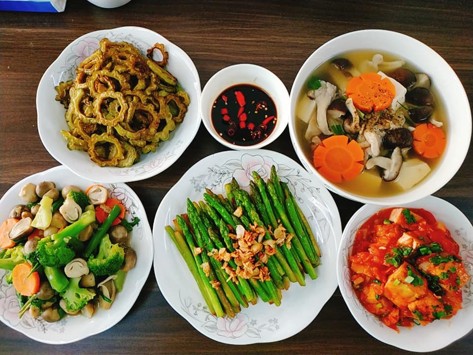 9X Đồng Nai đã xinh còn đảm, mỗi tháng chi 3 triệu tiền ăn, mâm nào cũng đầy ắp đồ - 4