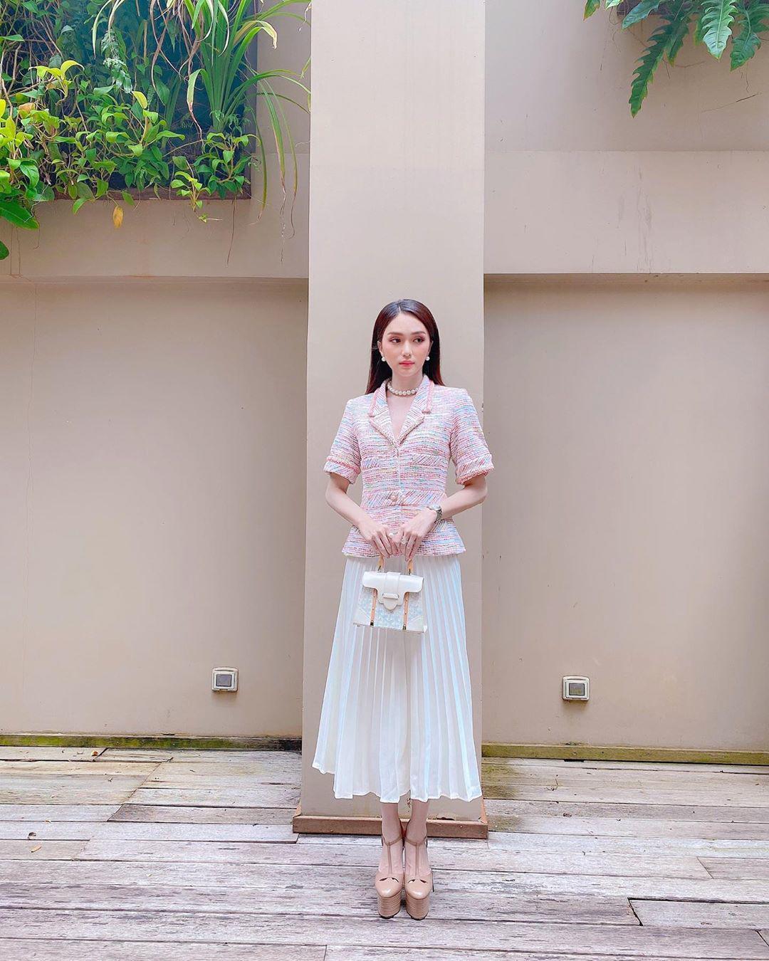 """Hương Giang: Thảm họa thời trang với """"quần què"""" giờ đây là nữ hoàng hàng hiệu không ai sánh bằng - 9"""