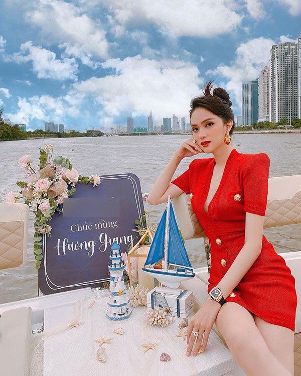 """Hương Giang: Thảm họa thời trang với """"quần què"""" giờ đây là nữ hoàng hàng hiệu không ai sánh bằng - 7"""