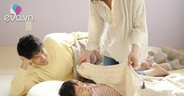 Cho con ngủ chung giường với bố mẹ, kết quả 10 năm sau khiến ai cũng kinh ngạc