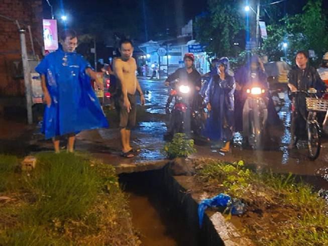 Vụ người phụ nữ lọt cống mất tích ở Đồng Nai: Tìm thấy thi thể cách hiện trường 1km - 1