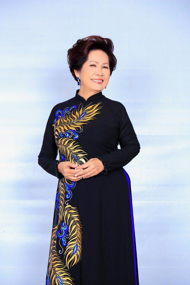 Nữ nghệ sĩ U70 có 8 con: amp;#34;Vẫn có người đàn ông 30 tuổi đòi cướiamp;#34; - 3