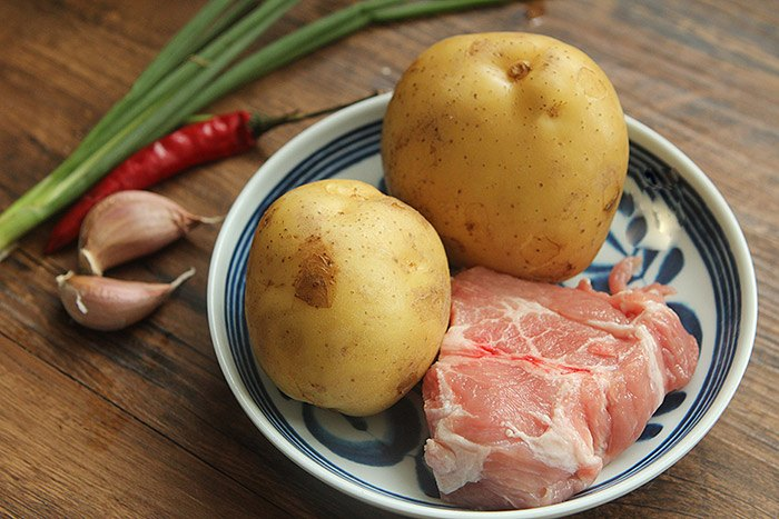 Vẫn là khoai tây sốt thịt băm nhưng chế biến kiểu này ai cũng tưởng đầu bếp 5 sao làm - 1