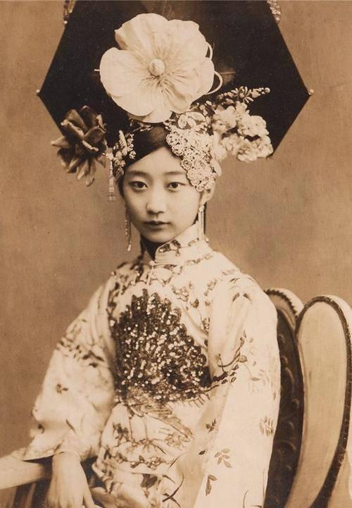 Cách cách xinh đẹp nhất thời nhà Thanh, vì yêu Phổ Nghi mà chịu cô độc qua 2 thế kỷ