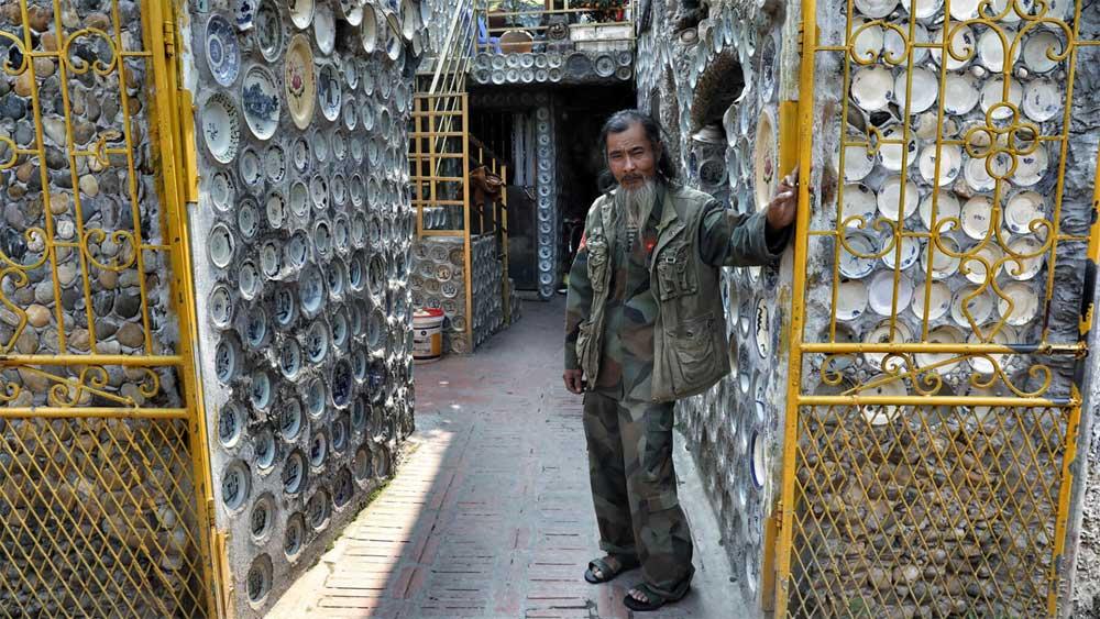 Báo nước ngoài amp;#34;đuaamp;#34; nhau đưa tin về ngôi nhà Việt gắn 10.000 chiếc đĩa gốm sứ - 1