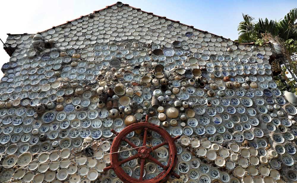 Báo nước ngoài amp;#34;đuaamp;#34; nhau đưa tin về ngôi nhà Việt gắn 10.000 chiếc đĩa gốm sứ - 4