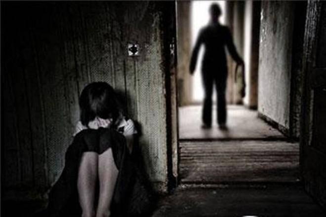 Nữ sinh 12 tuổi bị bảo vệ hiếp dâm: amp;#34;Trong điện thoại còn có clip của nhiều học sinh khácamp;#34; - 1