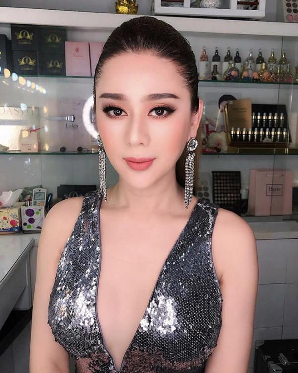 Lâm Khánh Chi, ngôi sao ăn mặc kém duyên nhất khi dự đám cưới của hội bạn thân - 12