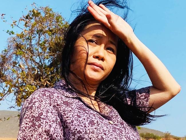 Người đàn bà chăn bò hoang dại amp;#34;Cát Đỏamp;#34;: Bán nhà sang Nhật về tay trắng, 33 tuổi mới yêu - 1