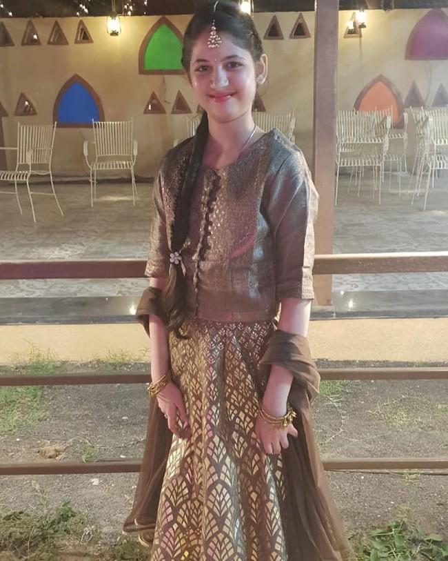 Từng là amp;#34;tiểu công chúa xinh nhấtamp;#34; Ấn Độ, ai ngờ sao nhí dậy thì gây thất vọng thế này! - 13