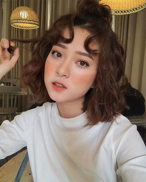 15 kiểu tóc xù đẹp cho nữ thêm dễ thương cá tính được yêu thích nhất - 15