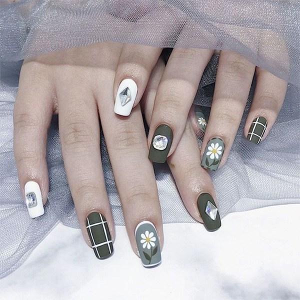 Các mẫu nail đơn giản đẹp nhẹ nhàng sang trọng cá tính và dễ thương - 16