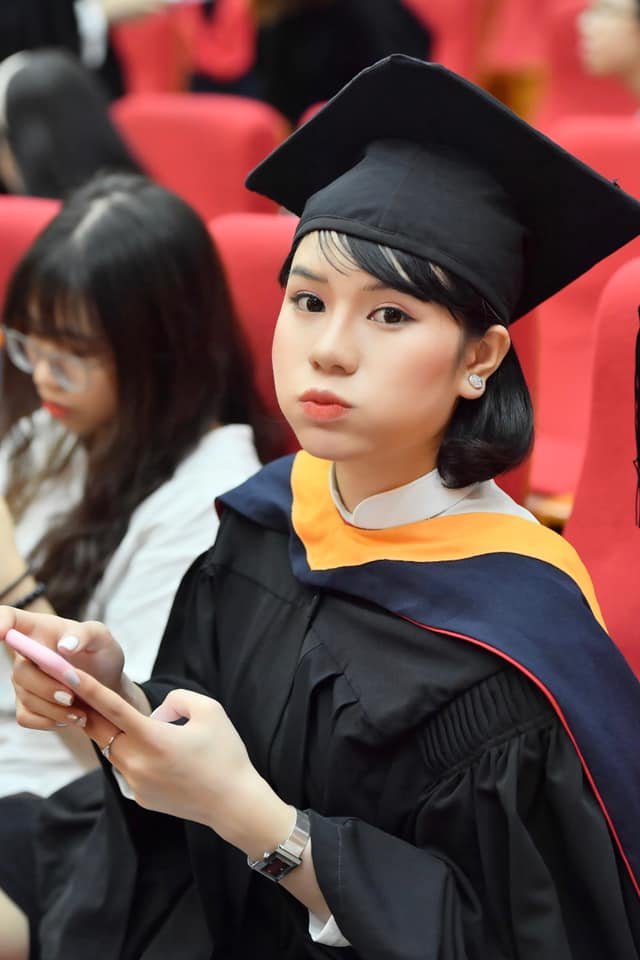 Hoa hậu Việt Nam 2020: Xuất hiện nữ tổng tài bên ngoài xinh đẹp bên trong nhiều tiền - 11
