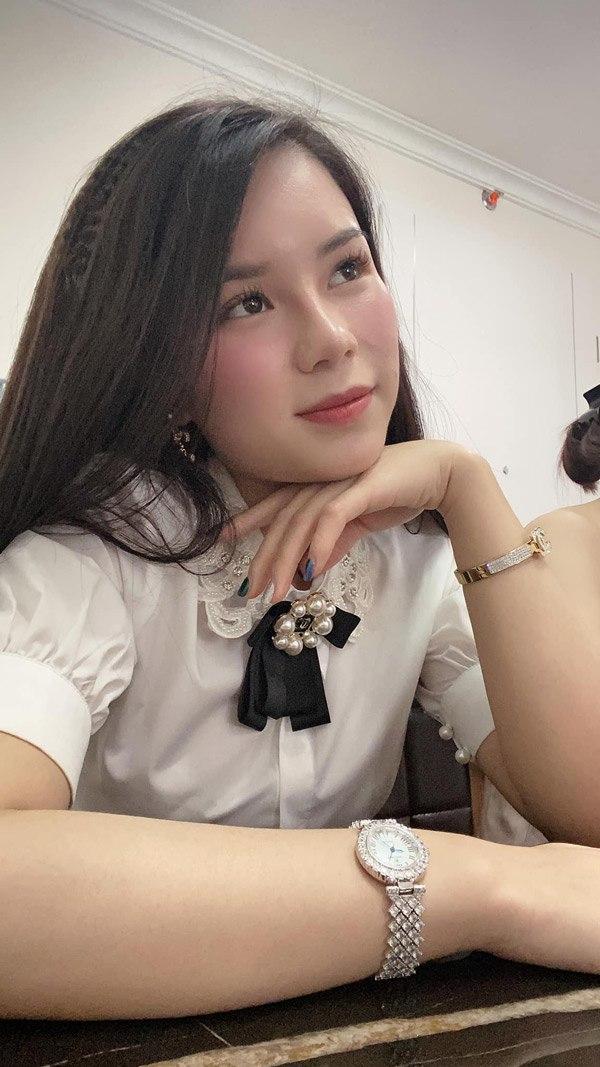 Hoa hậu Việt Nam 2020: Xuất hiện nữ tổng tài bên ngoài xinh đẹp bên trong nhiều tiền - 13