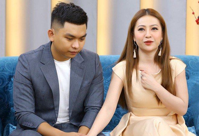 Lấy trai kém tuổi nhưng chưa muốn sinh con, mỹ nhân Việt làm chồng phát cáu - 3