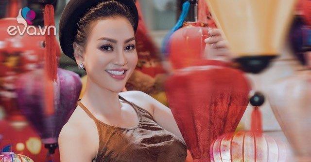 Trần Huyền Nhung diện trang phục truyền thống bên lồng đèn Trung thu