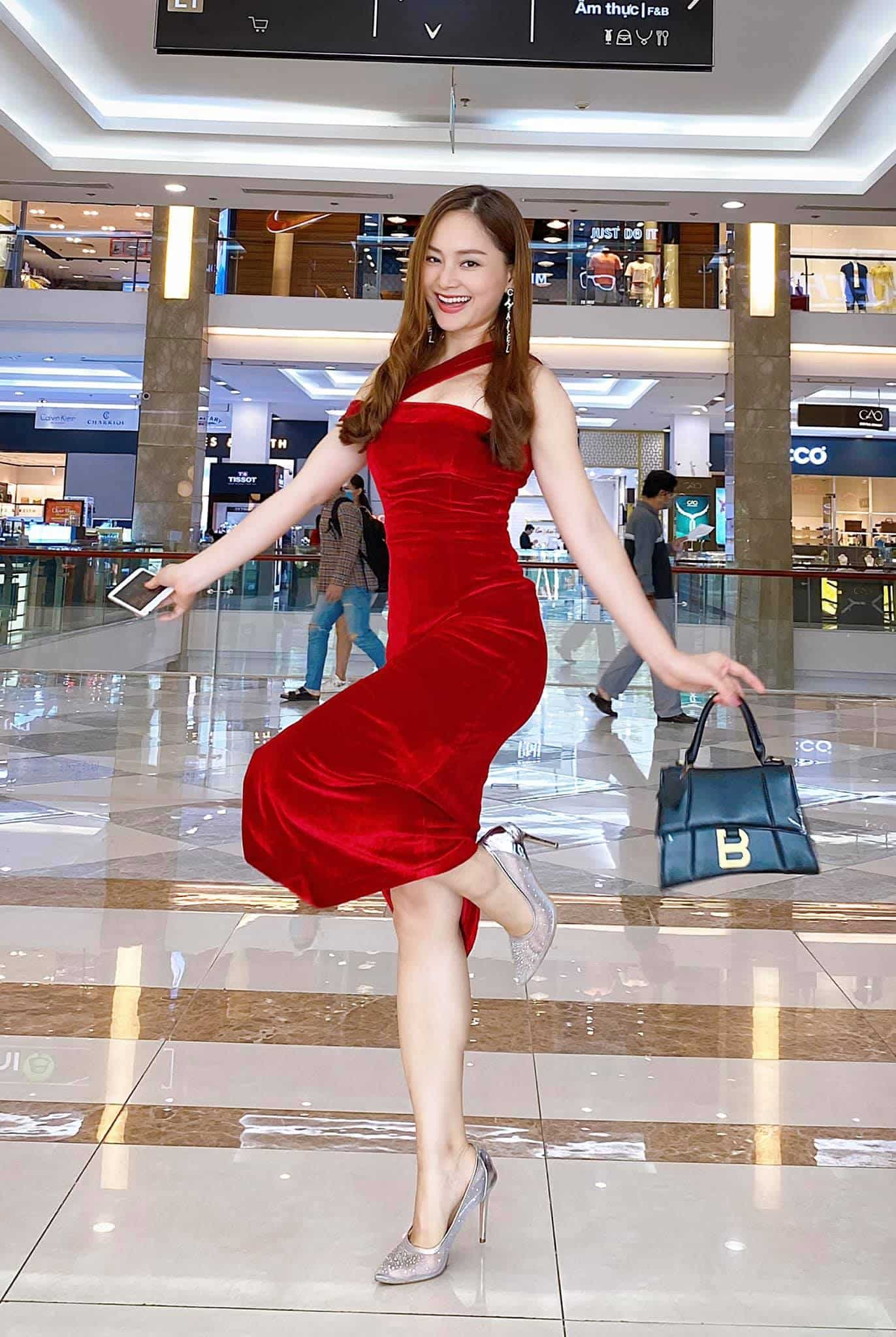 Từng tăng 18kg khi mang bầu, Lan Phương giờ về dáng đẹp mê, đụng đầm với Hoa hậu không thua - 1