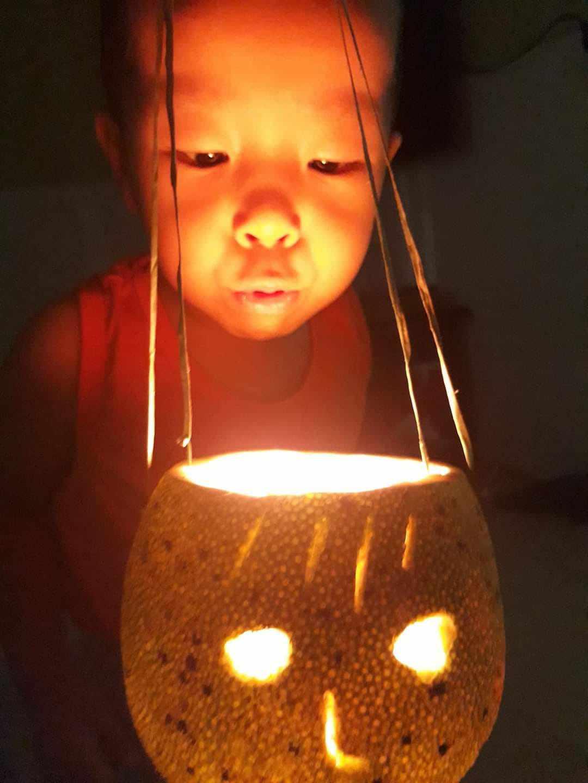 Đèn lồng vỏ bưởi gây sốt trong hội chị em, nhiều mẹ rần rần làm cho con chơi - 4
