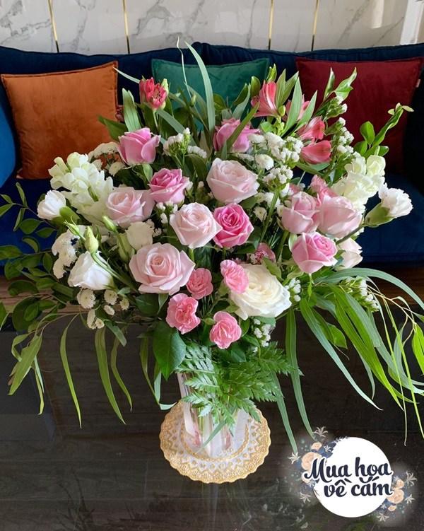 Cắm hoa tươi sợ nhanh héo, cô giáo Hà Nội mách chỗ đặt bình chơi được 2 tuần - 21