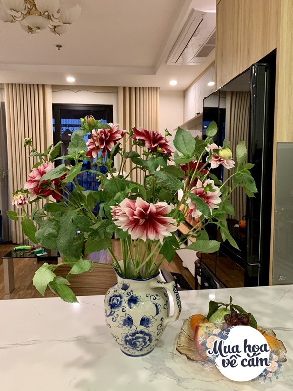 Cắm hoa tươi sợ nhanh héo, cô giáo Hà Nội mách chỗ đặt bình chơi được 2 tuần - 23