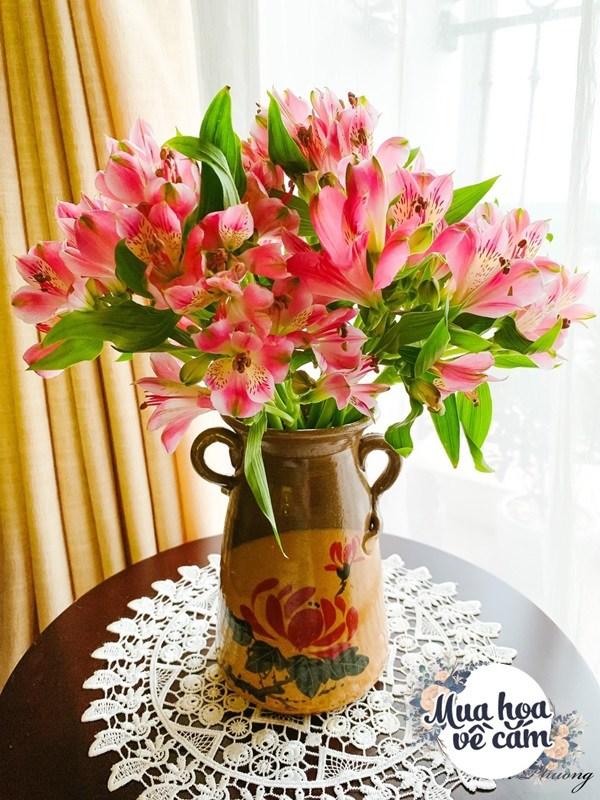 Cắm hoa tươi sợ nhanh héo, cô giáo Hà Nội mách chỗ đặt bình chơi được 2 tuần - 25