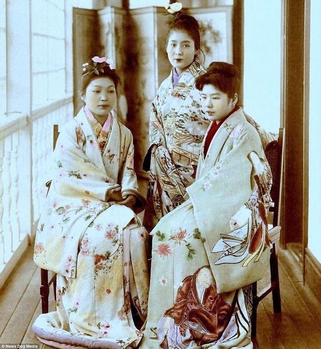 Kỹ nữ được trưng bày trong lồng ở Nhật 100 năm trước và câu chuyện làm đẹp để thoát thân - 5