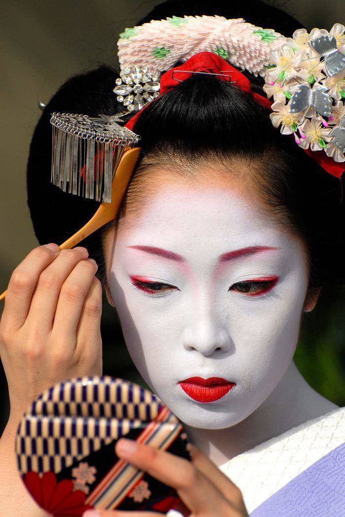 Kỹ nữ được trưng bày trong lồng ở Nhật 100 năm trước và câu chuyện làm đẹp để thoát thân - 9