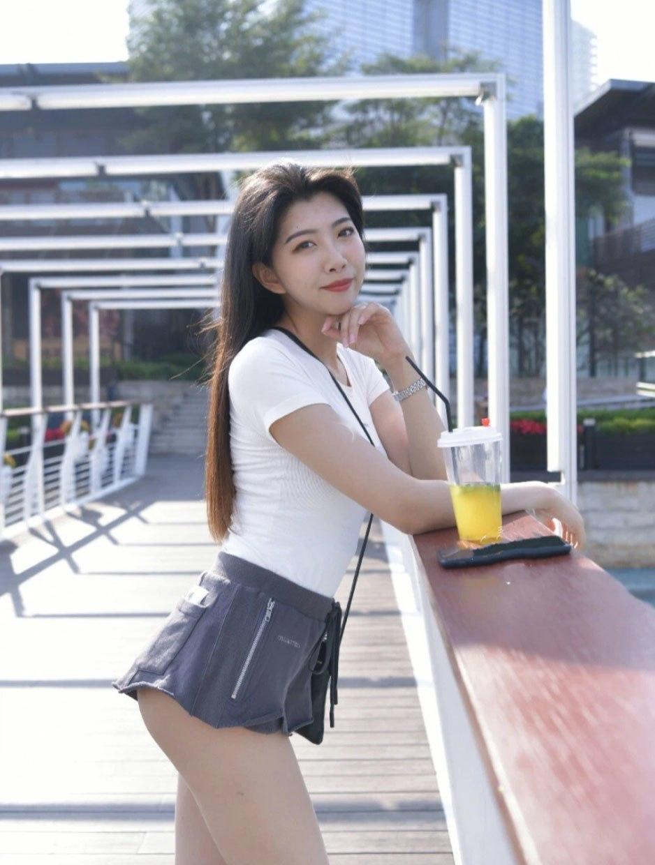 Mê kiểu quần ngắnrách tơi tả hại bao gái xinh, Phương Oanh vẫn tự tin khoe amp;#34;cặp giòamp;#34; cực phẩm - 8