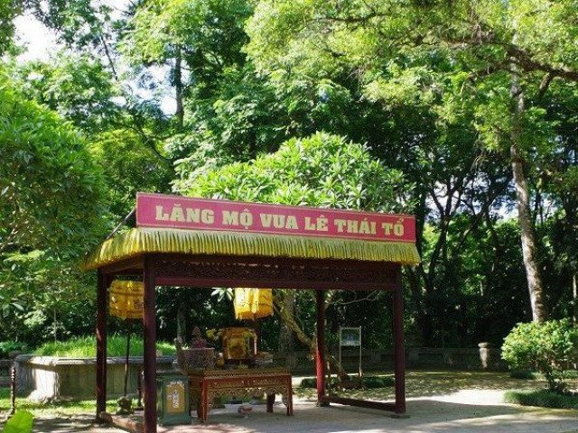 """Chuyện kỳ bí về """"cây lim hoá thân"""" và """"cây ổi cười"""" ở đất thiêng Lam Kinh"""