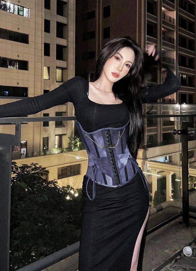 Nhiều gái đẹp gây chú ý vì vô tư mặc kiểu áo lót được yêu nhất mùa dịch dạo phố - 11