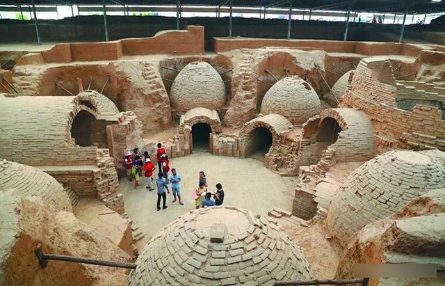 Bí ẩn bên trong lăng mộ nghìn năm tuổi, đồ sộ hơn cả lăng mộ của Từ Hi Thái hậu - 1