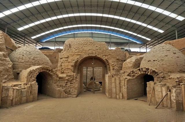 Bí ẩn bên trong lăng mộ nghìn năm tuổi, đồ sộ hơn cả lăng mộ của Từ Hi Thái hậu - 3